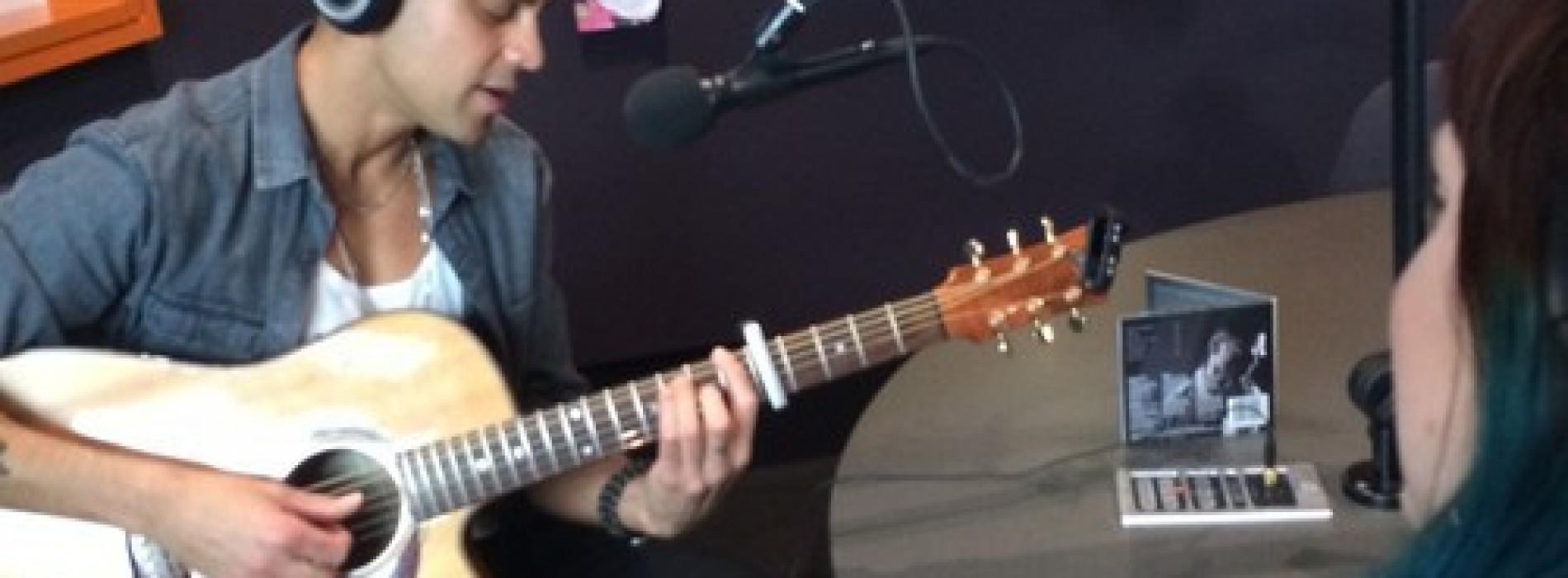 Andrew De Silva On 89.9 LIGHT FM Australia