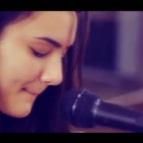 Ixana Judy – Valerie (Acoustic Cover)