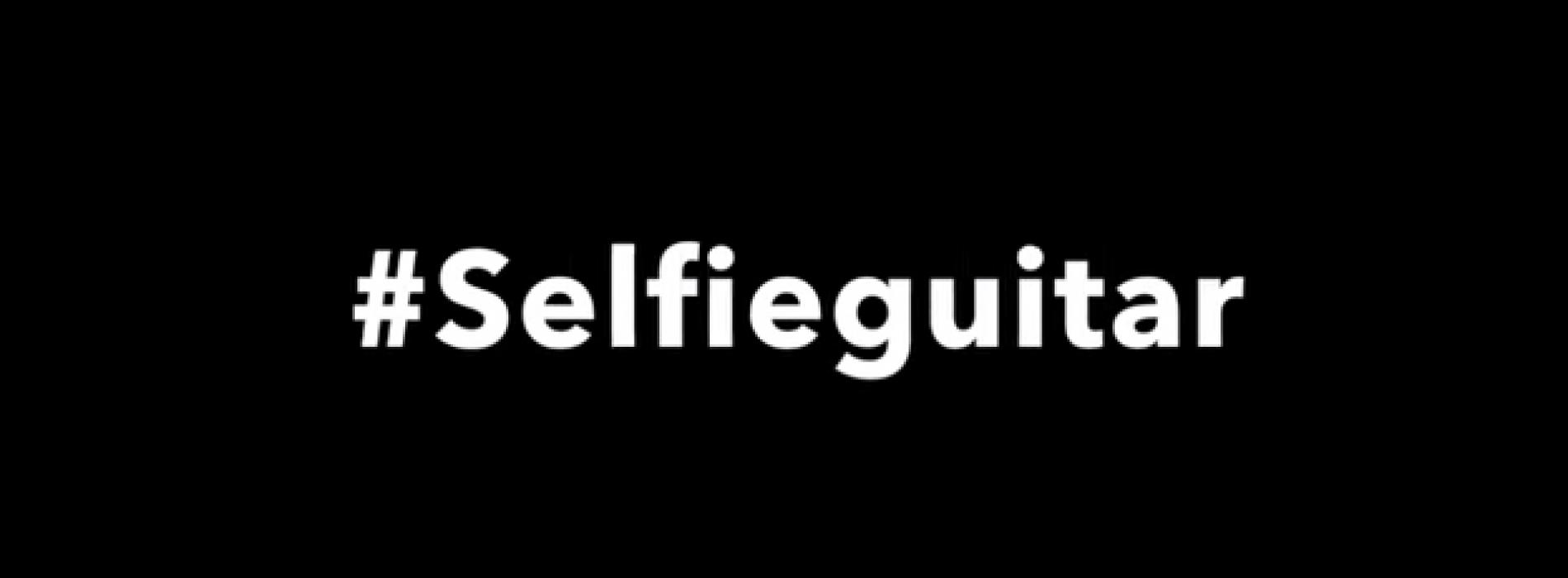 #SelfieGuitar