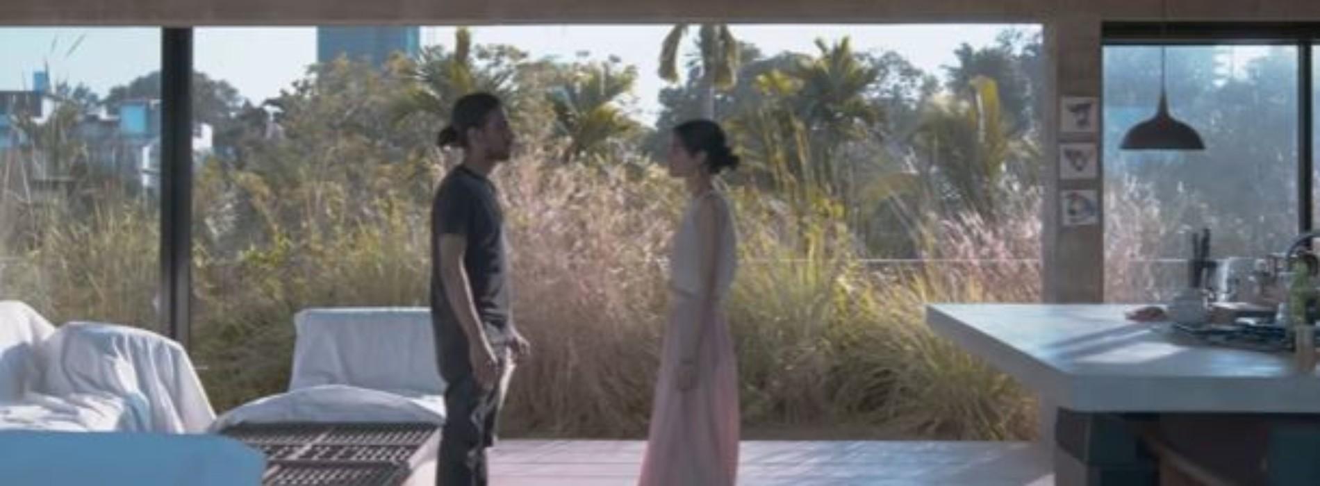 Lasith Fernando – Mathaka Mal [Official Video]