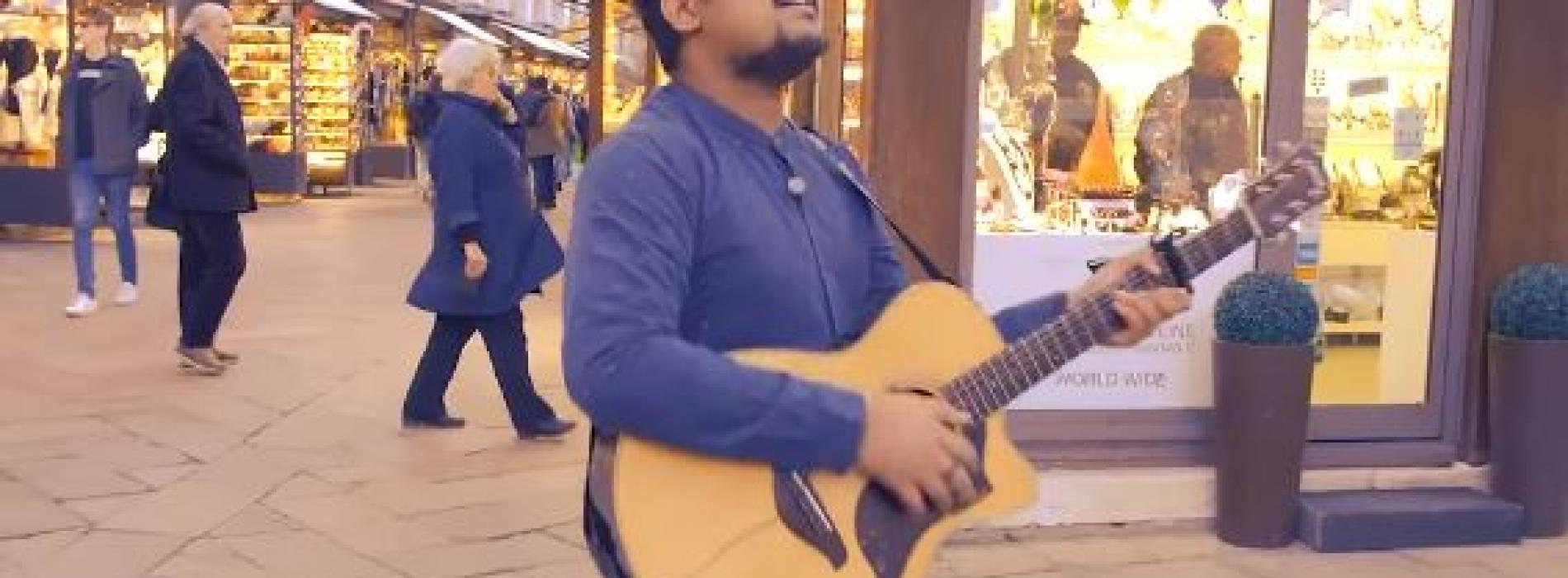 මාවතේ SANUKA – Sansara Sihine (Strolling the streets in Venice, Italy) Acoustic Version